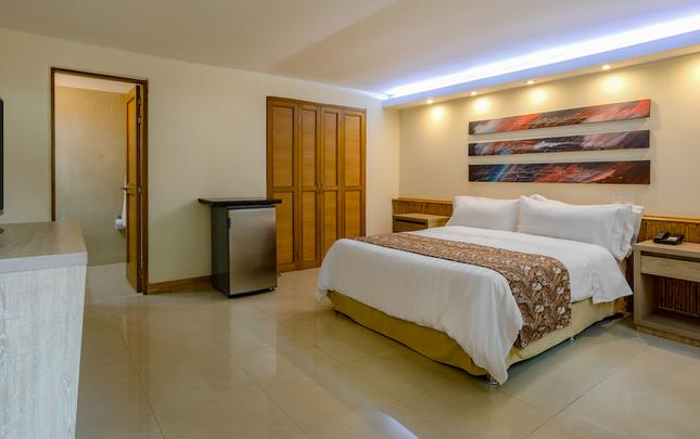 TRADITIONAL STANDARD QUEEN ROOM  GHL Relax Hotel Club El Puente Girardot