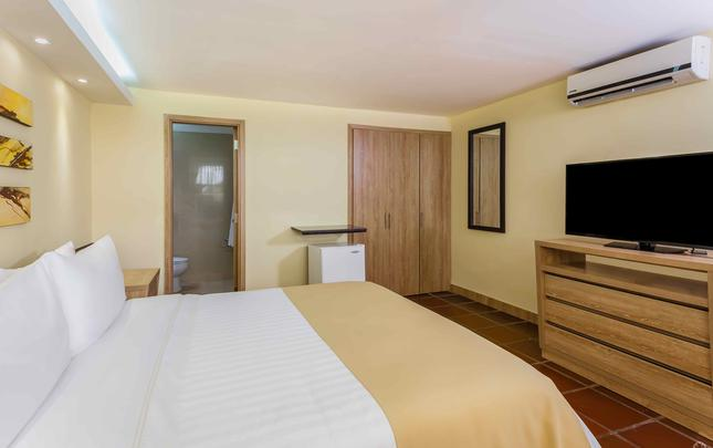 TRADITIONAL STANDARD QUEEN ROOM  GHL Relax Hotel Club El Puente